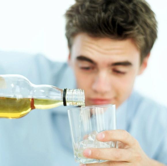 Что такое подростковый алкоголизм?