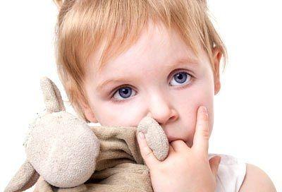 Оральный характер – это концепция З.Фрейда о типе личности, в котором выражается фиксация на оральной стадии развития. Взрослый человек с таким типом личности характеризуется пассивностью, зависимостью и доверчивостью (орально-пассивный) или негативизмом, стремлением эксплуатировать других и сарказмом (орально-садистический).